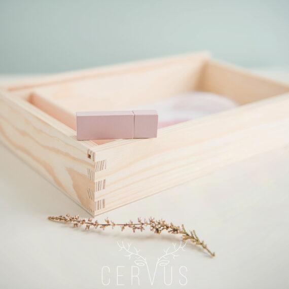 Pendrive drewniany różowy